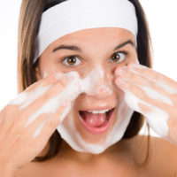 most teenagers suffer from skin acne